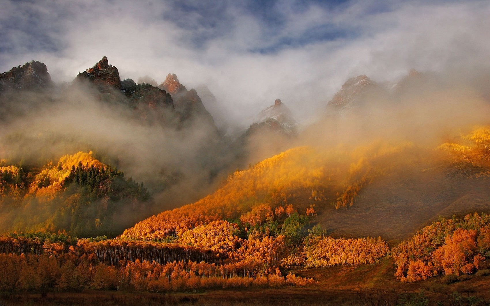 1280x800 Fall Wallpaper Nature Landscape Mountain Clouds Mist Morning Forest
