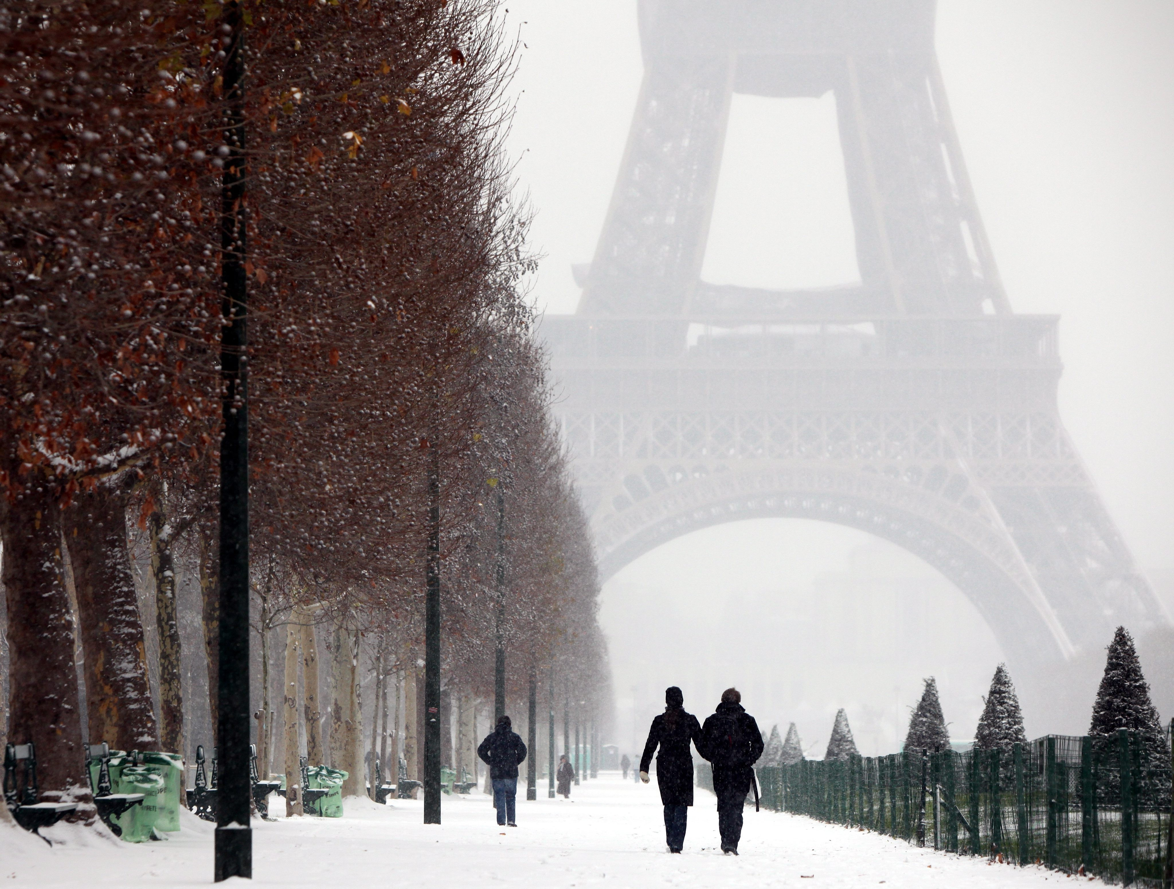 Drinking Girl Wallpaper Download Paris From Paris With Love Winter Snow Wallpapers Hd
