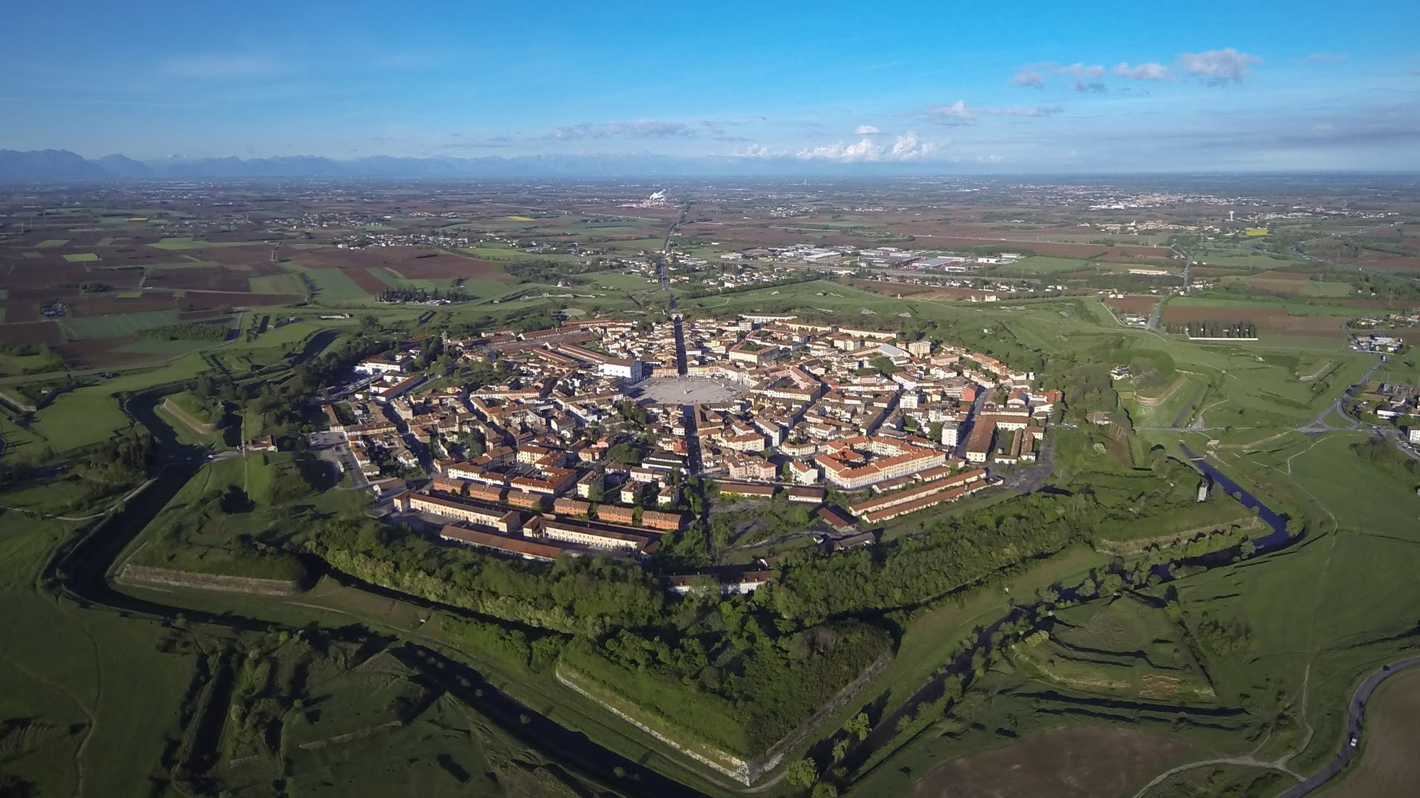 3d House Wallpapers Download Italy Landscape City House Building Palmanova Aerial