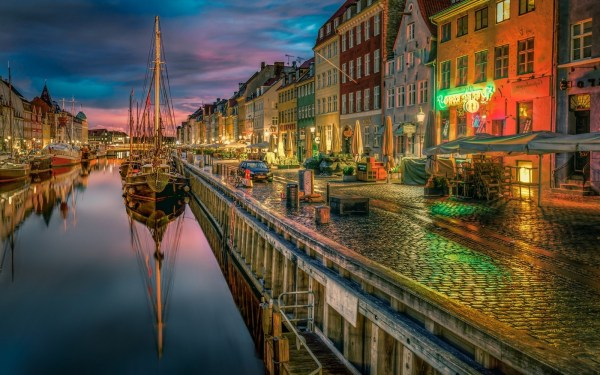 Urban Landscape Architecture City Building Canal Water Reflection Boat