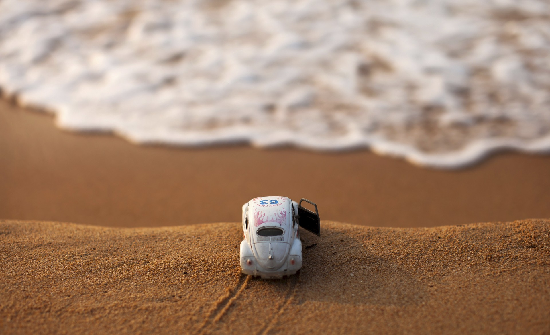 beach Water Toys Macro Car Volkswagen Beetle