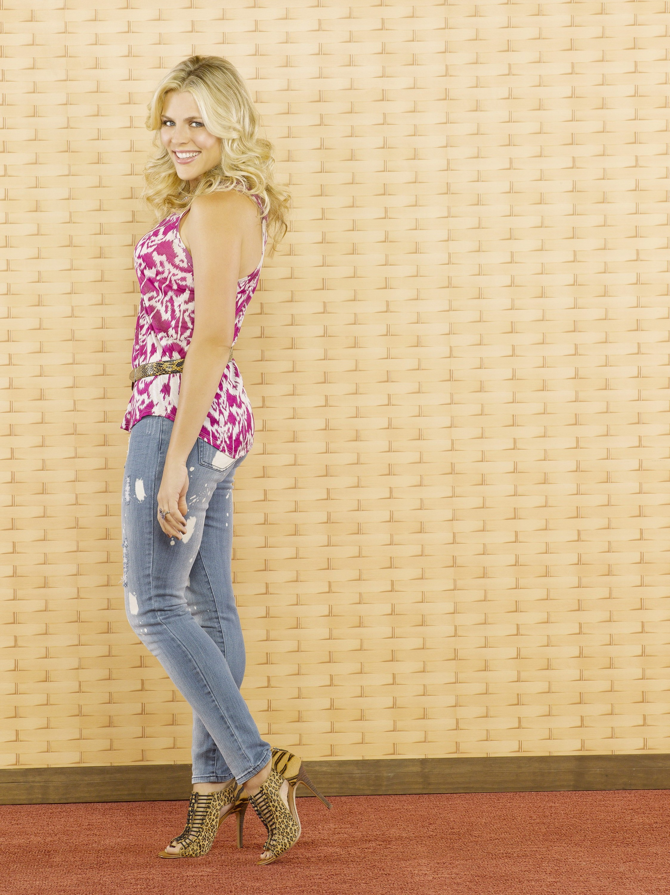 Anime Girls Wallpaper 5760x1080 Cougar Town Busy Philipps Jeans Women Celebrity
