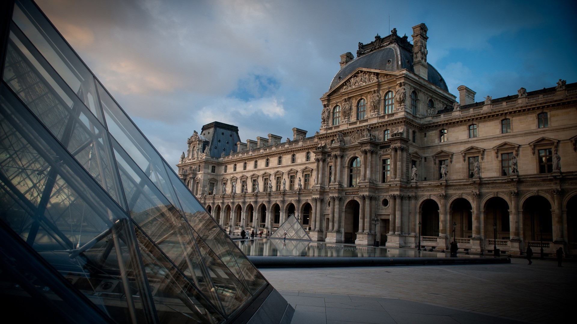 3d Hd Wallpapers For Laptop 1366x768 Building Paris The Louvre Wallpapers Hd Desktop And