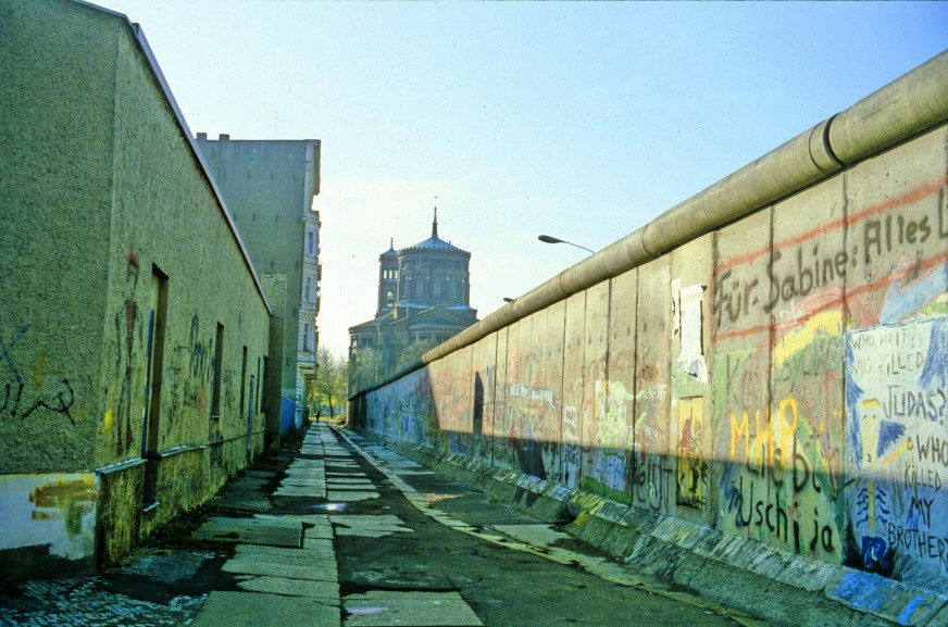 Berlin, Cold War, Berlin Wall, DDR, East Germany, GDR ...