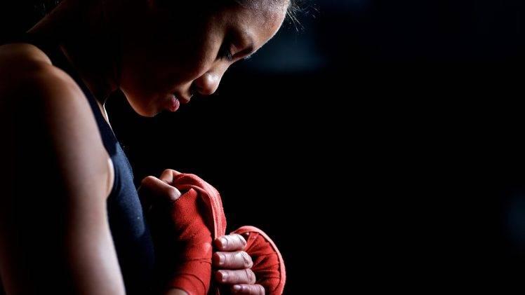 Gym Girl Wallpaper 4k Women Exercising Boxing Wallpapers Hd Desktop And