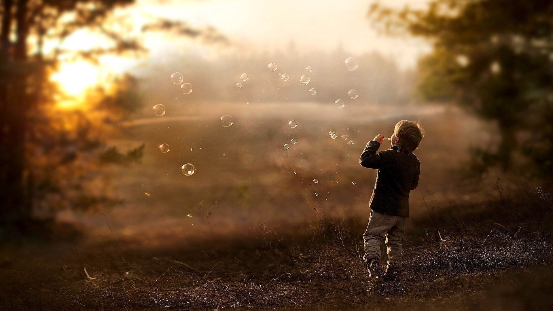 Cute Baby Love Couple Hd Wallpaper Children Bubbles Depth Of Field Nature Sunlight Wallpapers