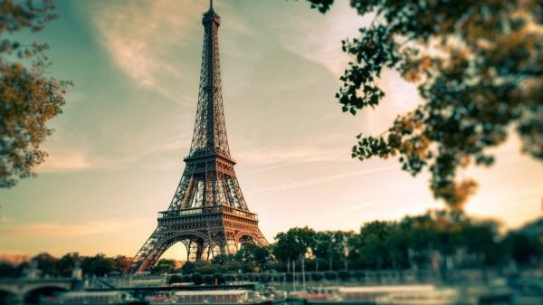 Paris Eiffel Tower Desktop