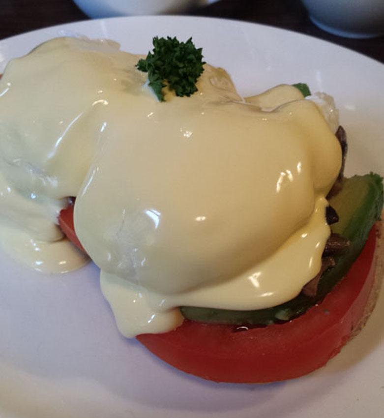 victorian-house-eggs-benedict