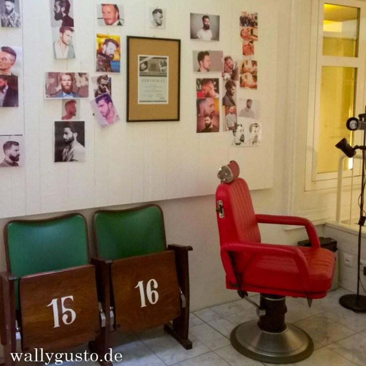 Barbier im Hotel Wiesner