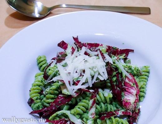 A Modern Way To Eat - Walnuss-Majoran-Pesto mit Radicchio {Buchvorstellung}