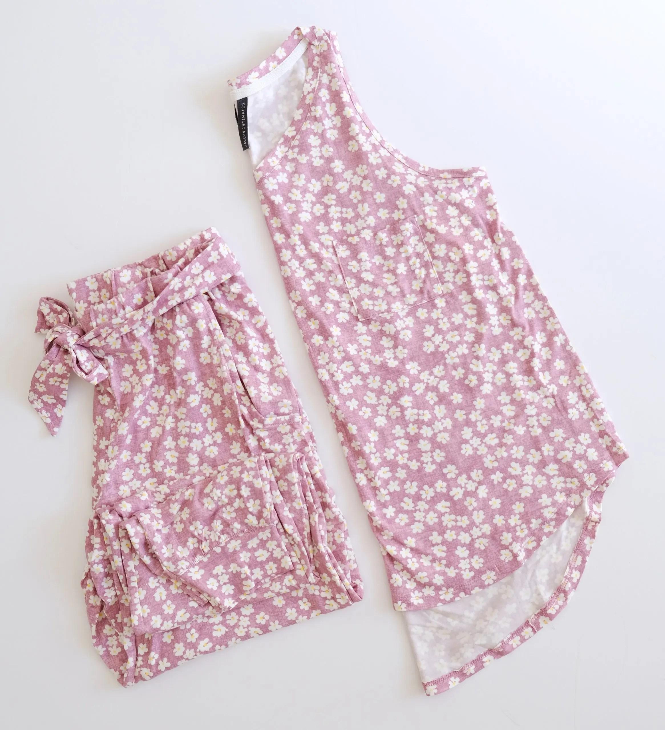 Jaclyn Intimates Women's V-Neck Tank Top and Jogger Pajama Set - daisy print