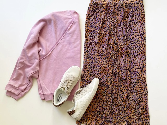 Scoop Raglan Sweatshirt, Ruffle Skirt and Quilted Sneakers