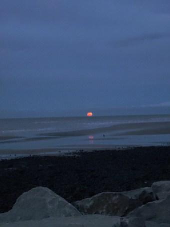 Red Moon Earnse Bay 29th Dec 2020 - Copy