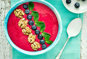 Walnut Berry Beetroot Smoothie Bowl