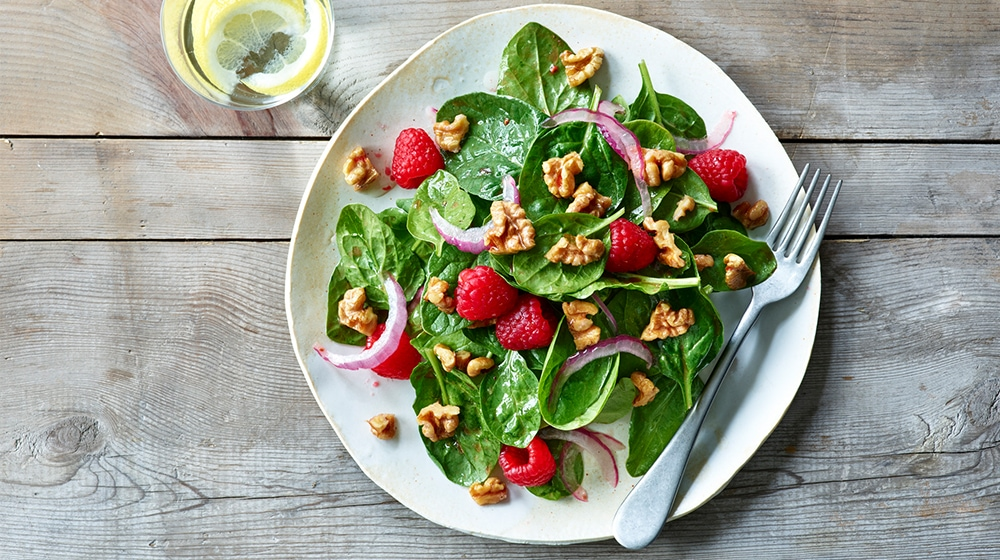 Walnut Raspberry Spinach Salad