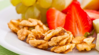 Snacking Walnuts Healthy Trend