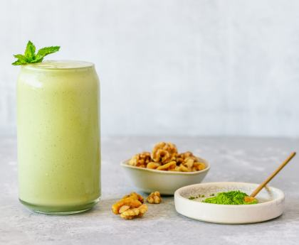 Matcha Avocado Walnut Smoothie