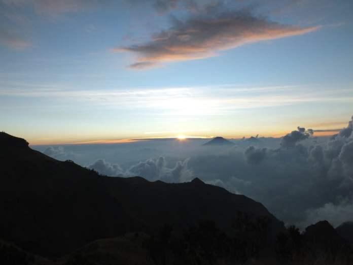sunset dari gunung merbabu 5