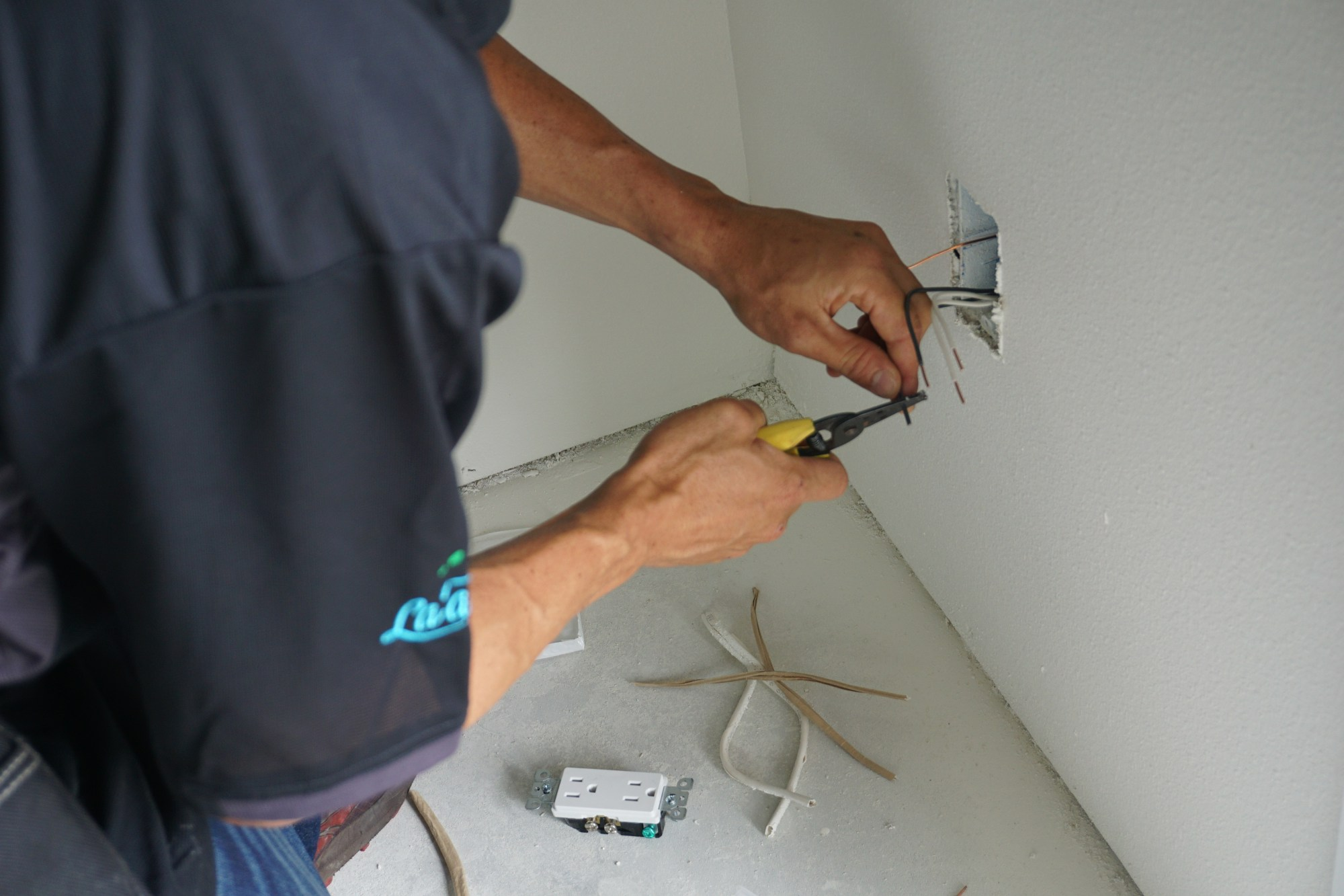 hight resolution of call walter s electric inc for home electrical wiring troubleshooting in hilo hi