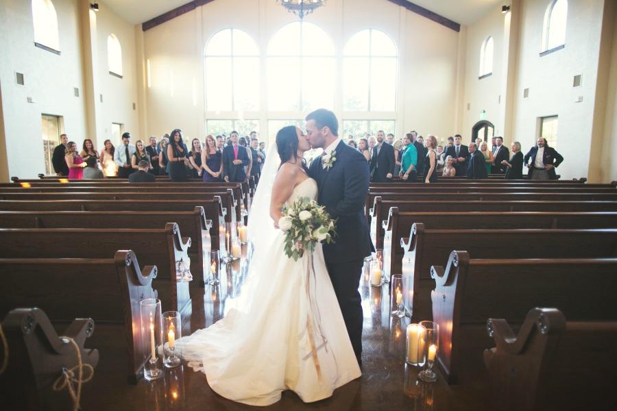 Mr And Mrs Burnett Wed At Chapel At Ana Villa The