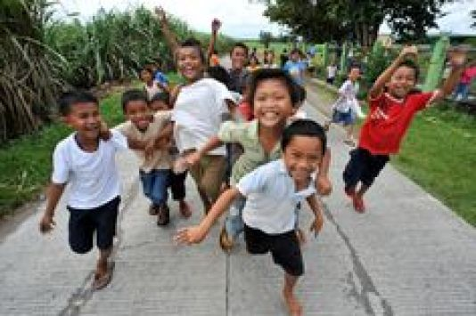 happy-filipino-2