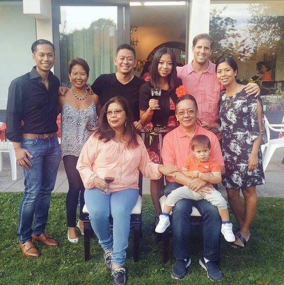 VICKY-WITH-BIG-FAM