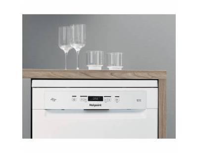 Hotpoint HFC3C32FWUK Dishwasher, White