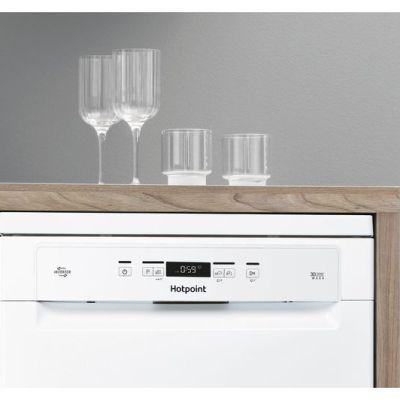 HOTPOINT Ecotech HFC3C26 W Full-size Dishwasher – White