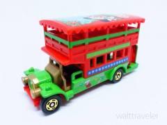 ディズニークリスマスファンタジー2017限定トミカ(オムニバス)は赤と緑のクリスマスカラー