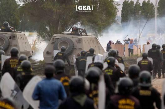 foto 2 (policia tanque)