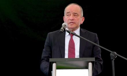Chequeando al Ministro de Telecomunicaciones Guillermo León sobre frecuencias y medios comunitarios