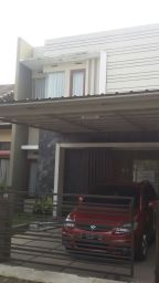 DIJUAL satu unit RUMAH dengan desain modern-minimalis, berada di sekitar Politeknik Negeri Bandung (polban), Lt 129m2, Lb 107m2, 4 kamar tidur, 3 kamar mandi, sertifikat hak Milik, dua lantai, listrik PLN 2200 watt, sumber air artesis, carport dua mobil, akses dari pintu tol Pasteur kurang lebih 10 menit, harga ditawarkan Rp 1.550.000.000,- yang minat hub 085320012201,