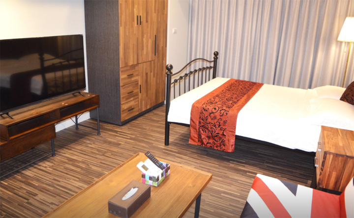 22f-holo-hostel