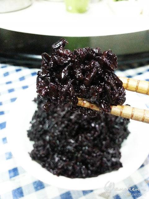 20140619黑米 雙色飯糰_204031