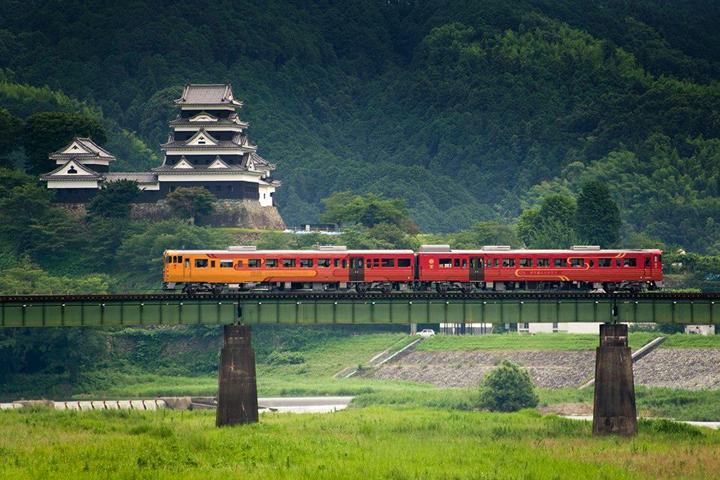 myj-train.jpg