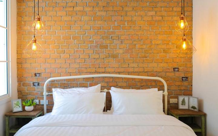 07-bts-hide-and-seek-hometel-booking