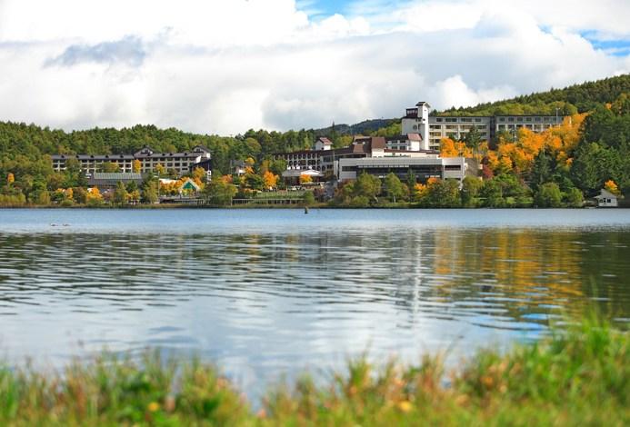 白樺渡假池之平酒店