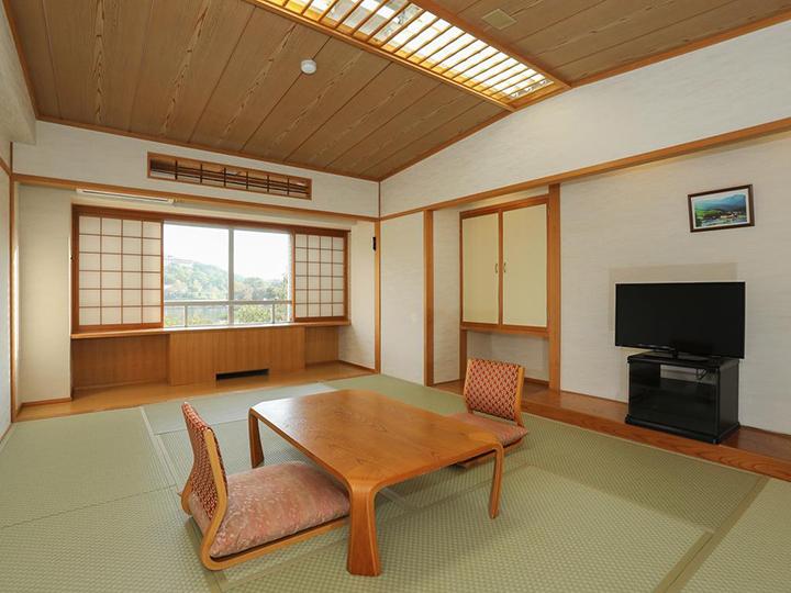 Shirakabako View Hotel(白樺湖美景日式旅館)