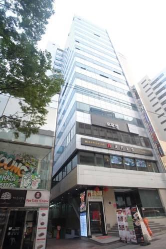 Ekonomy Hotel Myeongdong Central(明洞中央經濟酒店)