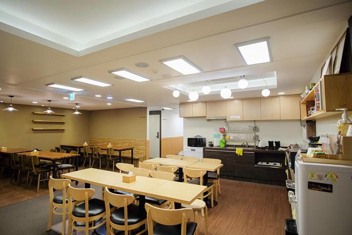 Step Inn Myeongdong 1(明洞1號步伐旅舍)