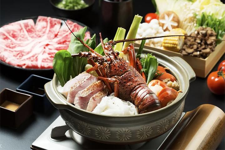 晶泉丰旅龍蝦火鍋