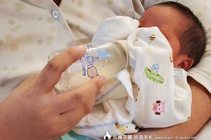 手擠奶技巧 母乳親餵瓶餵