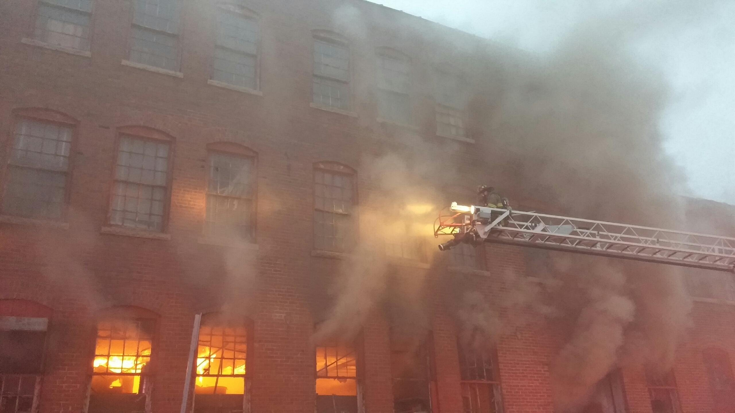 Warehouse fire in Decatur  Wandtvcom NewsCenter17 StormCenter17 Central Illinois News