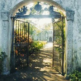 Beautiful entrance called the beggar's gate
