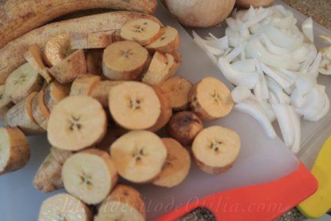 Platanos y Cebolla para Mangu