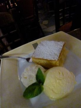Karczma Chelminska restaurant apple pie with cream and ice cream.