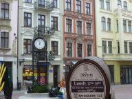 Toruń old town lunch scene.