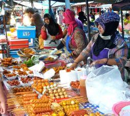 Kamala farmers market lunch fare.