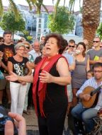 Luísa Soares sings in Lisbon.