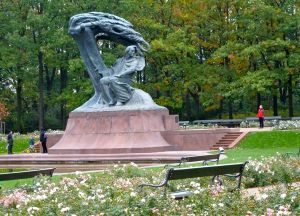 Chopin statue at Łazienki Królewskie